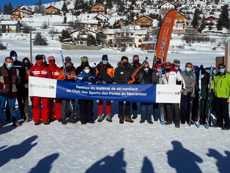 Remise de matériel de biathlon au ski club de Valberg Beuil