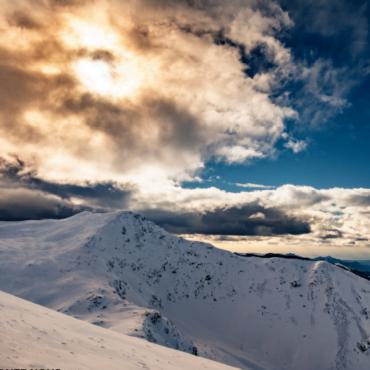L'opération montagne organisée par la commune de Valdeblore aura lieu les samedis 13 et 27 février à côté de l'office de tourisme de la Colmiane de 14h à 16h. Il s'agit d'une sensibilisation et d'information sur la neige et les avalanches avec une initiation au DVA (Détecteur de Victimes d'Avalanches).