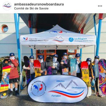 Le Snowboard enchaine les tricks aux 2 Alpes